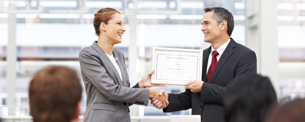 employee_receiving_award