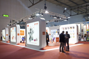 8 Tricky Tips to Entice People to your Exhibition Stand