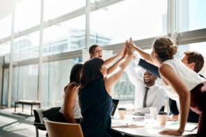 Four Major Tips on how to Manage your Team in the Workplace & Improve Productivity